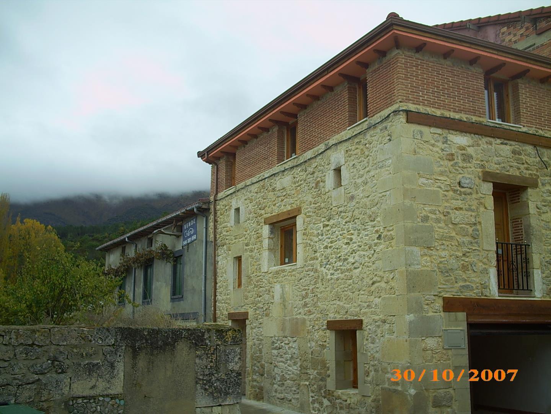 Rehabilitaci n casa rural en mijangos burgos sostecasas - Rehabilitacion casa rural ...
